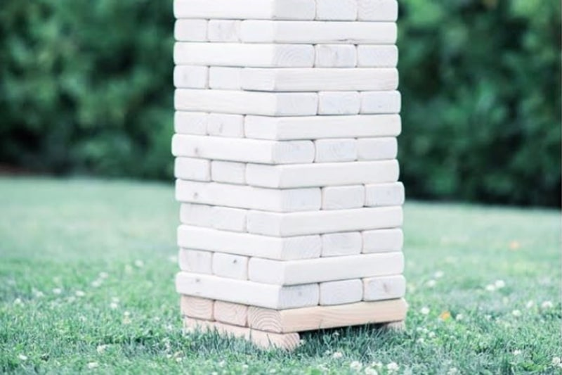 giant-jenga-lawn-game-wedding